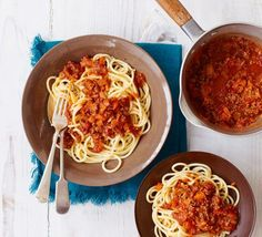 Our best-ever spaghetti Bolognese is super easy and a true classic. An Italian pasta favourite with a meaty, chilli sauce, this ultimate recipe comes courtesy of BBC Good Food user, Andrew Balmer.