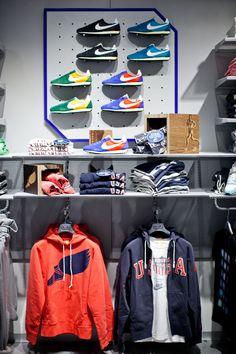 210 meilleures images du tableau Nike Store en 2019 13c8c506e33