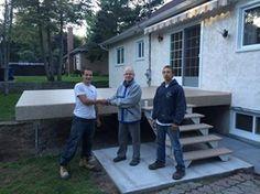 Les 2 Michael ont rendu le sourire à M. Plamondon qui a un très beau et bon patio en fibre de verre maintenant.