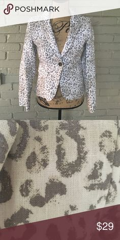 Boston Proper Leopard Print Blazer NWOT Super cute leopard print blazer. Perfect with skirt or jeans 👖Never worn because too many blazers in my closet. 👠 Boston Proper Jackets & Coats Blazers
