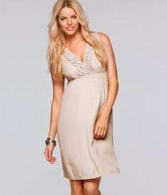 8 Stylish Maternity Picks for the Perfect Summer Wardrobe (PHOTOS) Stylish Maternity, Maternity Fashion, Gap Looks, Plus Size Maternity Dresses, Plus Size Pregnancy, Hippie Dresses, Summer Wardrobe, Leggings Fashion, Summer