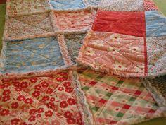 Para conseguir este pequeña colcha de 58x58 cms. con la técnica del rag quilt, Jera del blog Quilting in the rain  nos da 8 fáciles pasos. ...