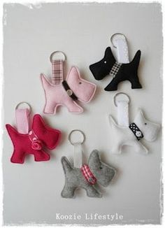 Puppy dog felt keyrings