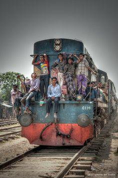Train in Bangladesh by Paolo Alberto Del Bianco, India