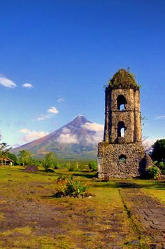 Mayon Volcano in Legazpi   20 Photos of the Philippines that will make you want to pack your bags and travel © Aime Andrade
