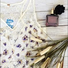 Free people lace top This is free people floral print top with lace trim. It's very chic and comfortable! 100% cotton ❌no trade❌ Free People Tops