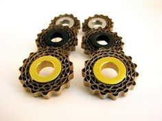 Corrugated cardboard jewelry, what an awesome idea!