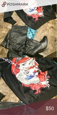 Mermaid sweatshirt sz XL leggings os Mermaid sweatshirt sz XL& mermaid  leggings os Sweaters Crew & Scoop Necks