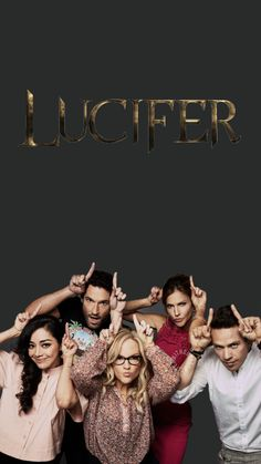 Lucifer: kinda cheesy & predictable, but an adorable cast. Lucifer S2, Tom Ellis Lucifer, Series Movies, Movies And Tv Shows, Wallpaper Series, Cat Wallpaper, Films Netflix, Lauren German, Lord