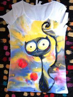 Fabric Paint Shirt, Paint Shirts, T Shirt Painting, Fabric Painting, Fabric Art, Hand Painted Dress, Hand Painted Fabric, Painted Clothes, Floral Print Shirt