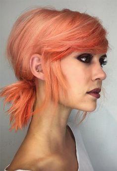 67 Pretty Peach Hair Color Ideas: How To Dye Your Hair Peach 67 Pretty Peach Haarfarbe Ideen: So fär Coral Hair Color, Peach Hair Colors, Pastel Hair Colors, Punk Hair Color, White Blonde Hair, Pink Hair, Pastel Orange Hair, Pastel Pixie Hair, Cheveux Oranges