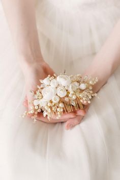 Ivory Gold Bridal hair comb, Gold Bridal headpiece, Bridal hair piece, Wedding hair piece, Wedding h Bridal Tiara, Bridal Headpieces, Bridal Earrings, Hair Comb Wedding, Wedding Hair Pieces, Gold Hair, Hair Jewelry, Bridal Accessories, Wedding Hairstyles
