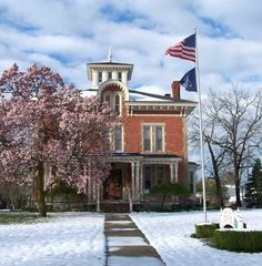The Sawyer House in Monroe Michigan needs proper historic preservation. clearly this is what i need to do with my life.