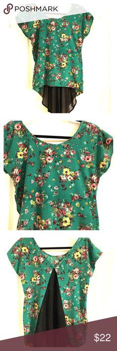 Vintage Havana Shirt Vintage Havana Green Flowy Floral Top Vintage Havana Tops Blouses