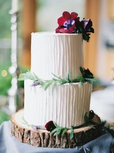 woodsy wedding cake - photo by Erich McVey http://ruffledblog.com/modern-bohemian-wedding-in-big-sur #weddingcake #cakes
