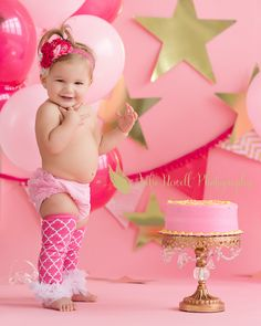 Hot Pink, pink and gold cake smash, smash cake session, chicago cake smash photographer