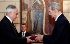 Mugur Isarescu, omul de incredere a regalitatii, a fost pus in fuctie din 1990 pentru ca este verisor prin alianta cu Regele Mihai, iata dovada :