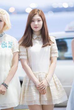 Best 15 Photos that Prove DIA's Jung ChaeYeon is a Goddess South Korean Girls, Korean Girl Groups, Jung Chaeyeon, Tumblr, Cute Korean, Kid Styles, Korean Outfits, Kpop Girls, Asian Beauty