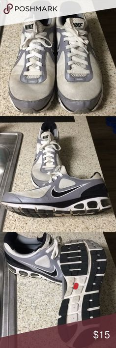 Nike Max Air Men's Size 10.5 Mens 10.5 shoes in great shape, wide base, not worn much, little dirty.  Asking $15obo. Nike Shoes Athletic Shoes