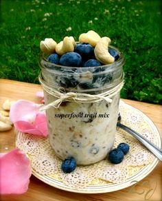 10 Swiss Summer Oatmeal flavors - throw together and leave in the fridge at night, have breakfast ready in the morning!