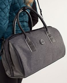 Lululemon Om Duffle Bag for trips to the gym or light weekends away! @lululemon athletica