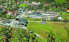 24000 2 loznice blizko vleku Golf Courses, Mansions, House Styles, Mansion Houses, Manor Houses, Villas, Fancy Houses, Mansion, Villa