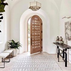 Current obsession — unique doors, swipe to see! Also some of our favorite pins& p Current obsession unique doors swipe to see Also some of our favorite pins are up on beckiowens vivirdesign Gather Projects p Home Design, Interior Design, Casa Feng Shui, Balkon Design, Unique Doors, House Goals, My New Room, Home Decor Inspiration, Decor Ideas