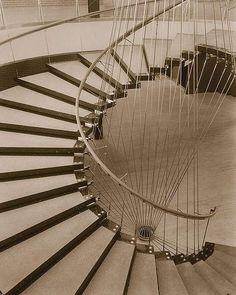 Resultado de imagen de tensegrity architecture timber