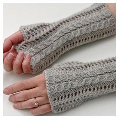 Knitting Patterns Leg Warmers Ravelry: Lace Fingerless Gloves pattern by Luciana Boic Fingerless Mittens, Knitted Gloves, Christmas Knitting Patterns, Crochet Patterns, Universal Yarn, Lang Yarns, Paintbox Yarn, Red Heart Yarn, Arm Knitting