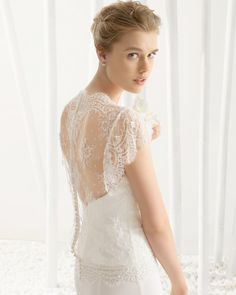 Beaded Chantilly and Georgette bridal gown. Rosa Clará 2016 Collection.