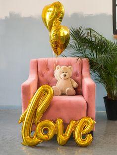 """Pomysł na Walentynkową Niespodziankę,partybox.pl#balonyserca#balonlove#walentynki#pomysłnaprezent#pomysł#love#heart#valentine""""sday Cards, Furniture, Home Decor, Decoration Home, Room Decor, Home Furnishings, Maps, Home Interior Design, Playing Cards"""