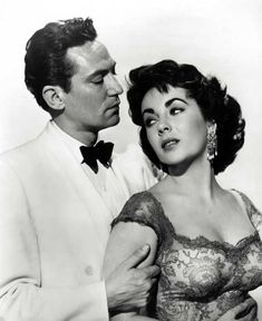 Elizabeth Taylor with Peter Finch, publicity shot for Elephant Walk (William Dieterle, Hollywood Actor, Classic Hollywood, Hollywood Icons, Mike Movie, Peter Finch, Dana Andrews, Elephant Walk, Dinner And A Movie, Elizabeth Taylor