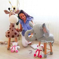 vamos_Crochetar (@vamos_crochetar) • Fotos e vídeos do Instagram Crochet Hippo, Crochet Animals, Crochet Toys, Crochet Baby, Knit Crochet, Quilt Baby, Stool Cover Crochet, Crochet Dishcloths, Crochet Basics