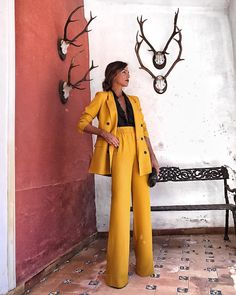 Formal blazer suits for women - If you select trousers, make sure they're acceptable attire at the company in which you need to do the job. You shoul. Suit Fashion, Work Fashion, Fashion Outfits, Style Fashion, Fashion 2018, Fashion Boots, Womens Fashion, Fashion Tips, Classy Outfits