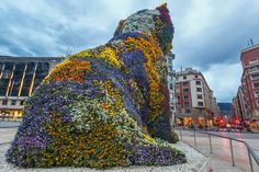 Flower dog by Guggenheim museum