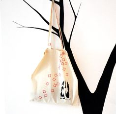 Bolso TOTE de algodón orgánico - Decoración pared - Organic cotton shopping bag - Handpainted eco-friendly and vegan totebag - Ecological accesories - Gift for women - Wall decoration - Home decor - Buy it on @etsy