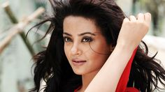 Surveen Chawla New Celebrity Wallpaper