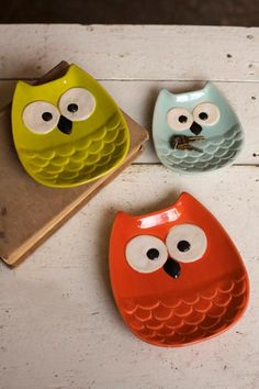 set of three owl plates