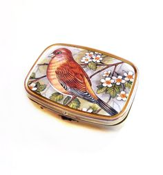 Pill Box / Gold Metal, Bird / Robin