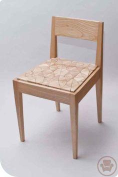 Muchas cosas se pueden hacer con madera, muchas formas de hacer una silla pero que te parece este diseño? no es genial?