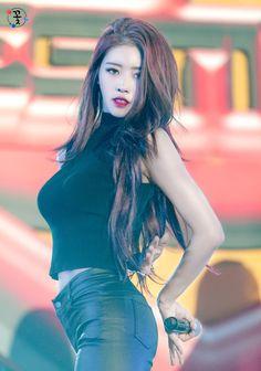 K-Pop Babe Pics – Photos of every single female singer in Korean Pop Music (K-Pop) Airport Fashion Kpop, Lovelyz Mijoo, Girl Bands, Female Singers, Single Women, Beautiful Asian Girls, Hottest Photos, Girl Crushes, Twitter