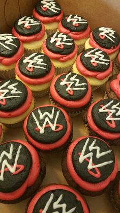 Wwe wrestling party theme ideas for wrestling games and activities wwe cupcakes regular size cupcakes solutioingenieria Images