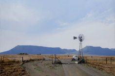 A gallery showcasing the fine art paintings of South African Artist Peter Bonney specializing in photo in realism acrylic medium on canvas. Big Sky Country, Country Roads, Africa Painting, South African Artists, Landscape Paintings, Landscape Photography, Fine Art, Gallery, Water