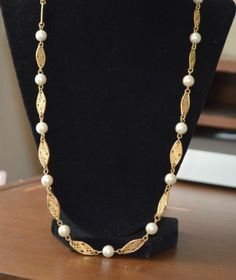 """Vintage Avon Gold Tone and Pearl Long 24"""" Necklace (N57)"""