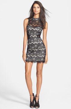 Women's Filtre Illusion Cutout Lace Body-Con Dress