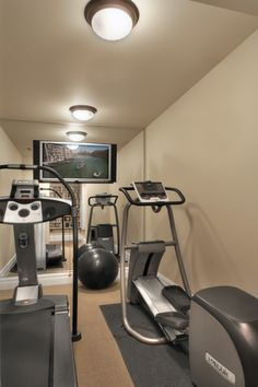 1000 images about remodel fitness room on pinterest for Small room workout
