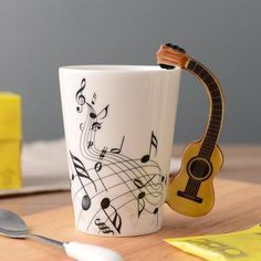 Novelty Guitar Ceramic Mug Cerámica Ideas, Cake Ideas, Gift Ideas, Unique Gifts, Great Gifts, Awesome Gifts, Cute Cups, Incense Holder, Ceramic Cups