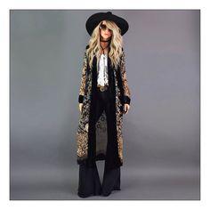 Move over, Rover and let Jimi take over - Swoon worthy badass Jimi Hendrix inspired velvet burnout duster! 70s Fashion, Look Fashion, Autumn Fashion, Womens Fashion, Gipsy Fashion, Bohemian Fashion, 70s Hippie Fashion, Biker Fashion, Kimono Fashion