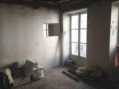 Vue de la futur chambre n•2. Comblement de l'ouverture donnant sur le salon pour créer côté salon une bibliothèque.