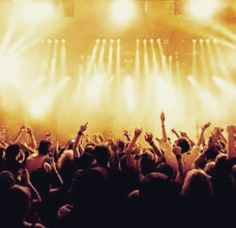 Hoy nos hemos levantado con ganas de regalar un par de abonos para @alicantespringfestival Atentos esta tarde toda la información!!! #alicante #festival #festivales #alicantespringfestival #todoindie #musica #felizmiercoles #izal #second #full #indisco #